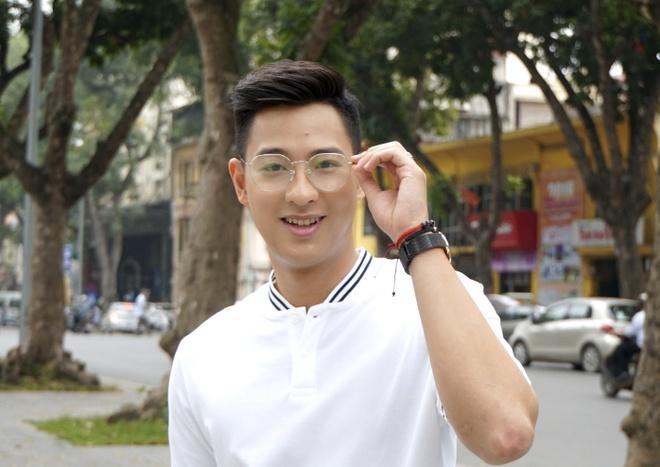 Hot boy cau long Pham Hong Nam: 'VDV chay show la chuyen binh thuong' hinh anh