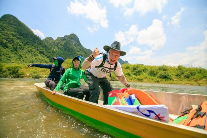 120 nhân viên VPBank chèo thuyền vượt sông, chạy đua xuyên hang động