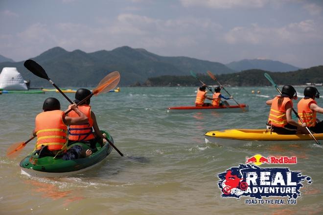 'Red Bull - Hanh trinh dich thuc': Kim Nha chuoc loi voi Lam Vinh Hai hinh anh 1