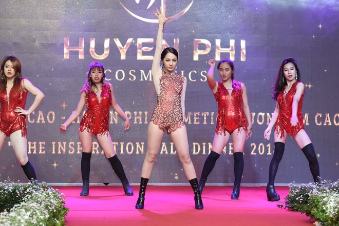 My pham Huyen Phi to chuc thanh cong 'The Inspiration Gala Dinner' hinh anh 5