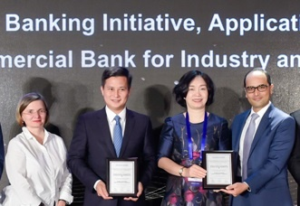 VietinBank nhan cu dup giai thuong tu 'The Asian Banker' hinh anh