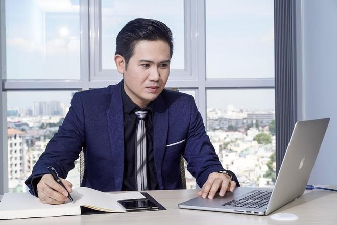 CEO Asanzo: Tu nguoi bung pho, tai hang den ong chu hang TV trieu do hinh anh 1