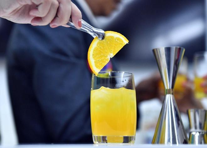 Vietnam Airlines sap phuc vu 11 loai cocktail moi hinh anh