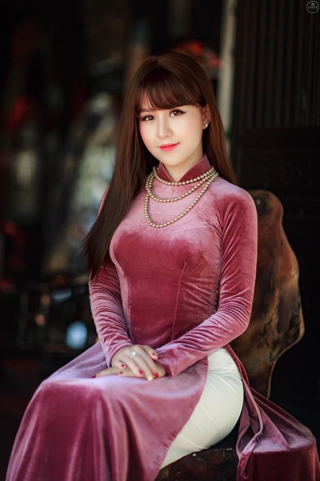 Y Linh: 'Toi ra MV deu deu de khan gia khong quen minh' hinh anh 2
