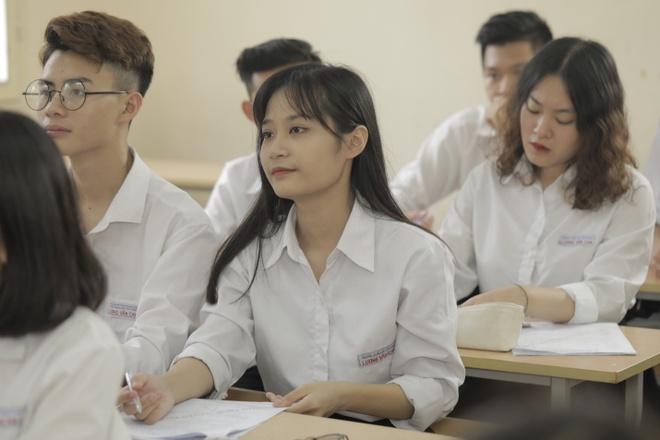 THPT Luong Van Can - ngoi truong danh cho hoc sinh me KHTN hinh anh