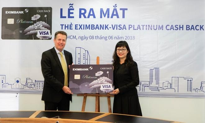 Nhan thuong khi chi tieu bang the Eximbank - Visa Platinum Cash Back hinh anh 1