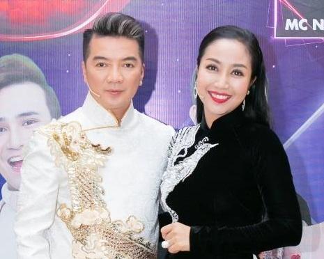 Dam Vinh Hung ngoi ghe nong 'Tuyet dinh song ca nhi' hinh anh