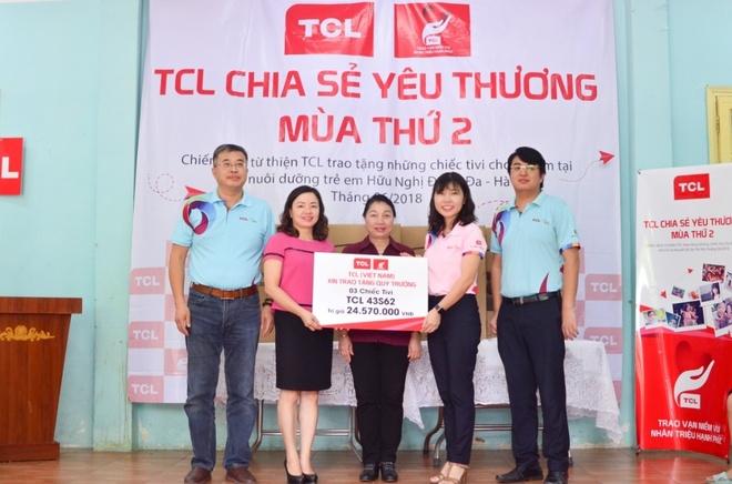 TCL tang TV cho tre mo coi, khuyet tat tai Ha Noi hinh anh