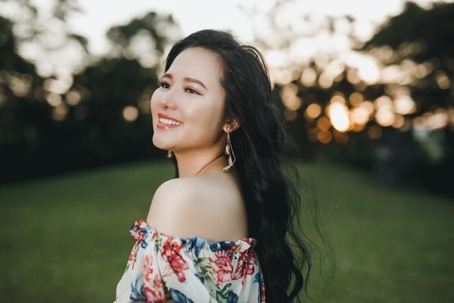 Sao Mai Thuy Dung mang hoi tho nhac Viet hoa cung ban be quoc te hinh anh