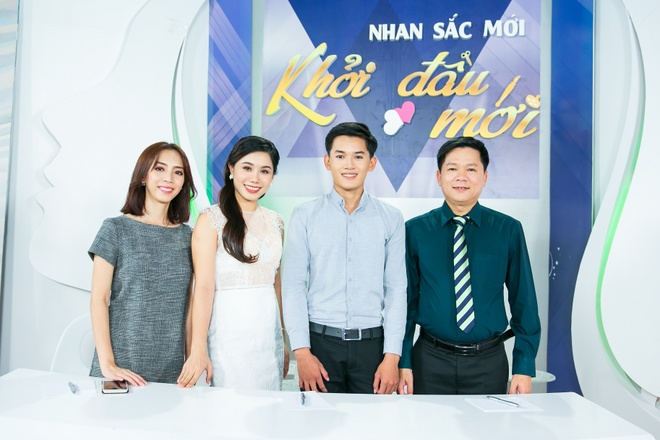 HH Huong Giang lam giam khao chuong trinh 'Nhan sac moi, khoi dau moi' hinh anh 2