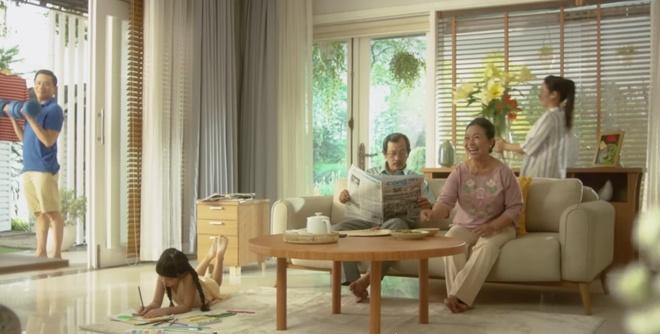 Truc Nhan tinh nghich hoa giai 'mau thuan' gia dinh trong MV moi hinh anh 1