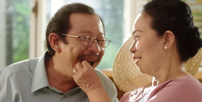 Truc Nhan tinh nghich hoa giai 'mau thuan' gia dinh trong MV moi hinh anh 3