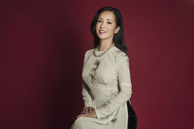 Hong Nhung hoi ngo Lam Truong tren san khau thu do hinh anh