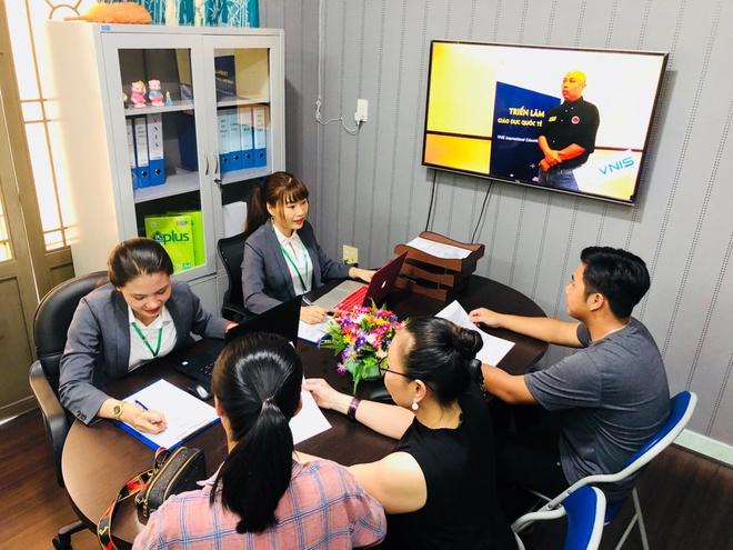 Cong ty Du hoc VNIS Education khai truong chi nhanh tai Nha Trang hinh anh 1