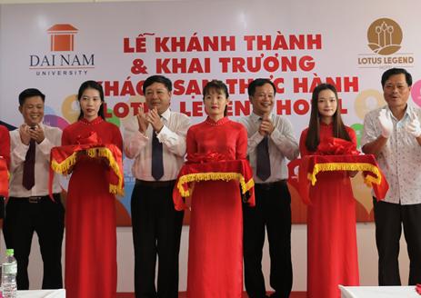 DH Dai Nam khai truong khach san thuc hanh Lotus Legend hinh anh