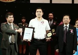 HVC Group 2 nam lien duoc vinh danh Nhan hieu noi tieng Viet Nam hinh anh