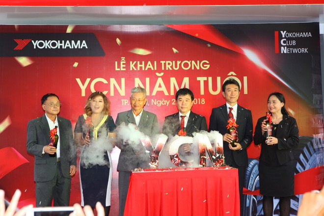 Yokohama tung khuyen mai mung khai truong YCN Nam Tuoi thu 2 hinh anh