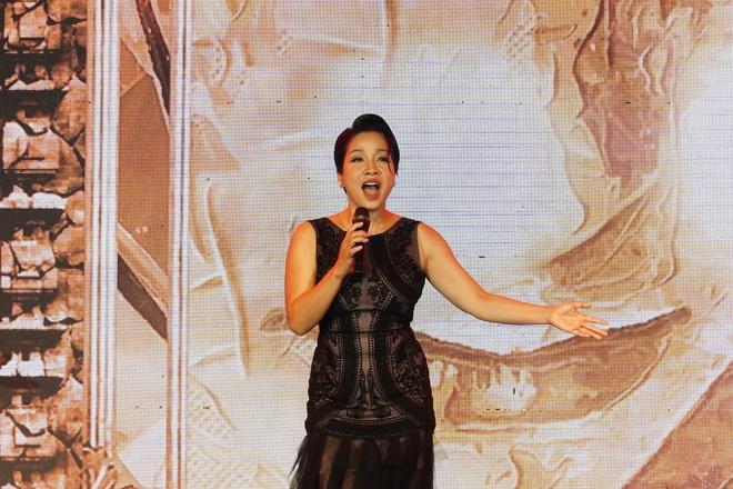 Noo Phuoc Thinh, My Linh tai ngo tai san khau ABbank Family Day hinh anh