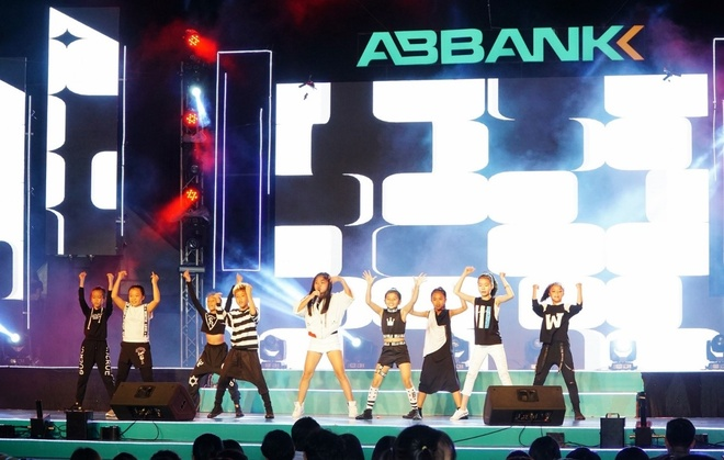 ABbank anh 8