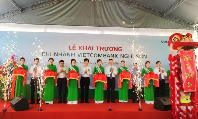 Vietcombank khai truong hoat dong chi nhanh Nghi Son hinh anh 1