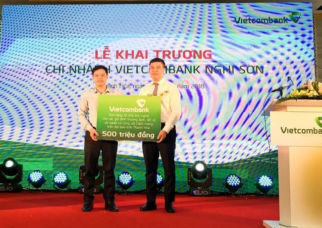 Vietcombank khai truong hoat dong chi nhanh Nghi Son hinh anh 6