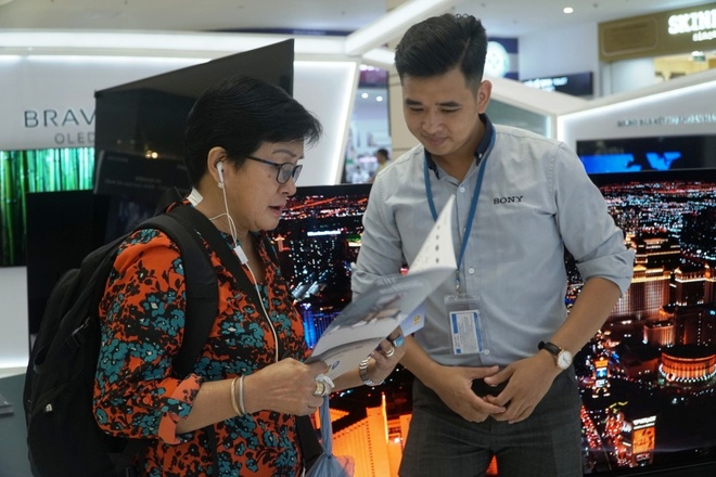 Trai nghiem am thanh Acoustic Surface, Playstation tren Bravia OLED TV hinh anh 5