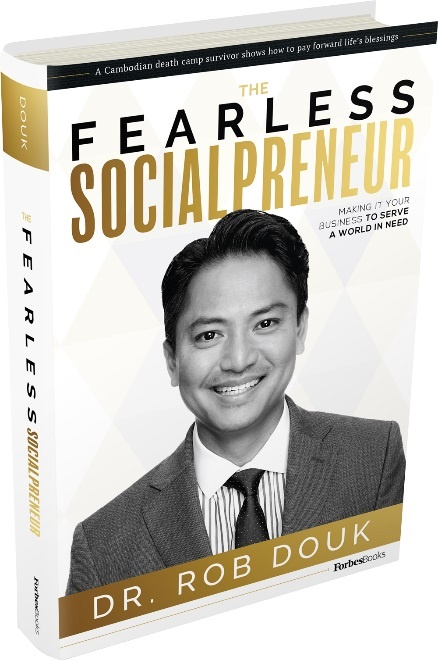 'The Fearless Socialpreneur': Cach kiem tien dao duc cua bac si My hinh anh 1
