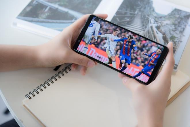 Galaxy A8 Star: Man hinh 6,3 inch, toi uu da tac vu hinh anh 5