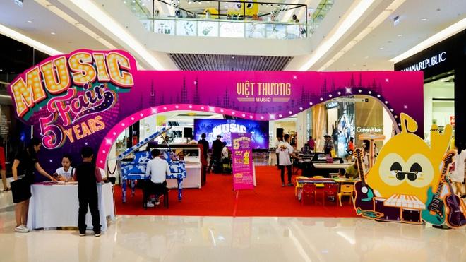 Nhieu chuong trinh uu dai tai Viet Thuong Music Fair lan thu 5 hinh anh