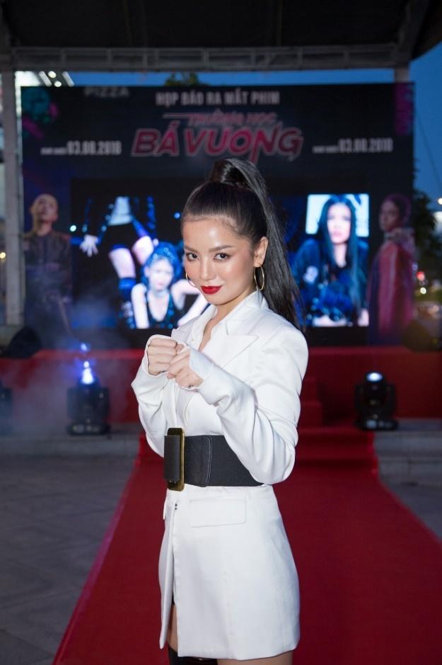 Dan dien vien Viet tham du hop bao ra mat phim 'Truong hoc ba vuong' hinh anh 4