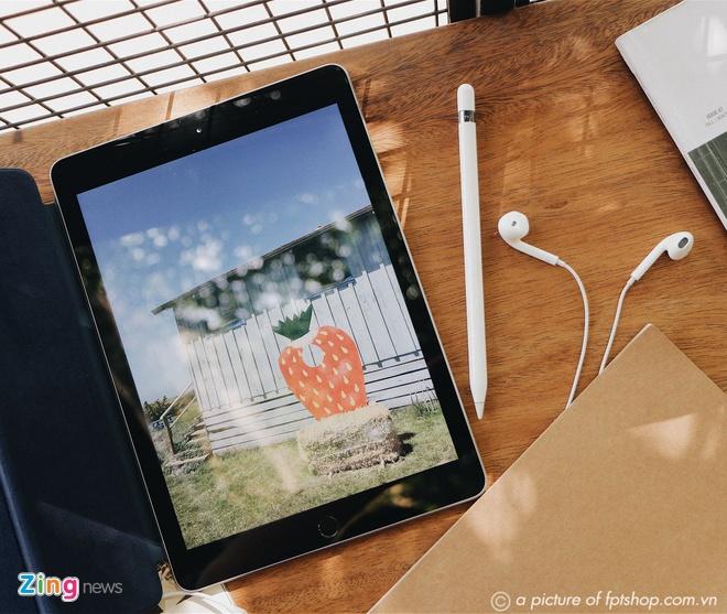 Giam 2 trieu dong khi mua iPad 2018 kem combo giao duc tai FPT Shop hinh anh 1