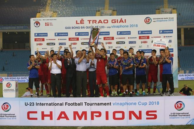 U23 Viet Nam vo dich, VNPT hoanh thanh su menh Cup VinaPhone 2018 hinh anh 1