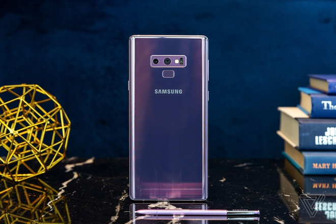 Galaxy Note9 ra mat: Manh me, pin khoe, but S Pen moi hinh anh