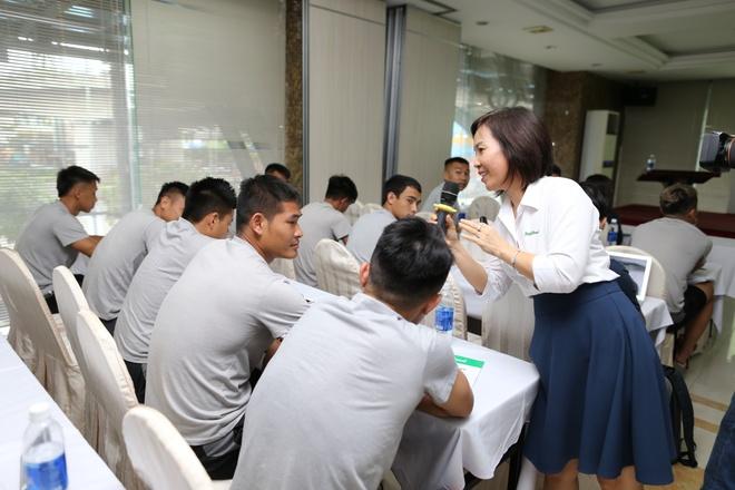CLB TP.HCM duoc tu van dinh duong trong khuon kho V-League hinh anh 3