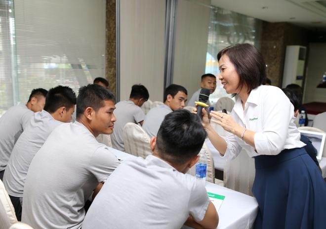 CLB TP.HCM duoc tu van dinh duong trong khuon kho V-League hinh anh