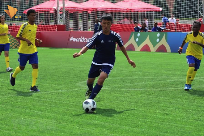 Ha Danh Du - cau be mo coi duoc choi bong tai Nga dip World Cup 2018 hinh anh 2