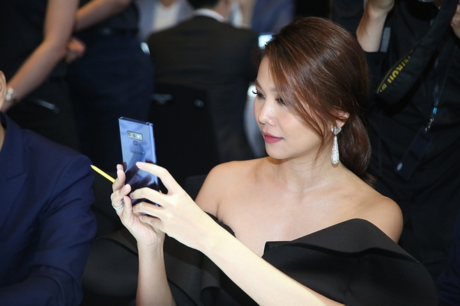 Thanh Hang: 'Galaxy Note9 thong minh va khac biet' hinh anh 2