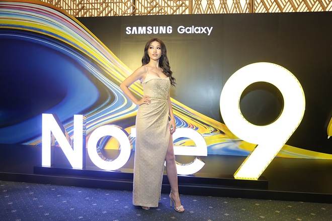 Thanh Hang: 'Galaxy Note9 thong minh va khac biet' hinh anh 8