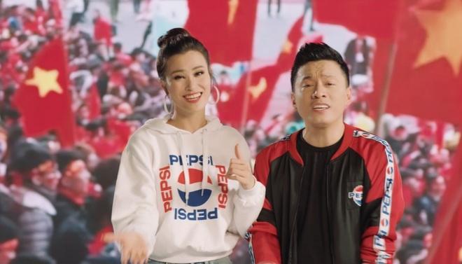 Lam Truong khoac ao moi cho MV 15 nam tuoi 'Khat khao hon' hinh anh
