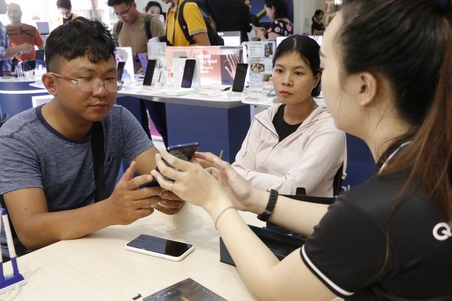 FPT Shop tap nap ngay mo ban Galaxy Note9 hinh anh