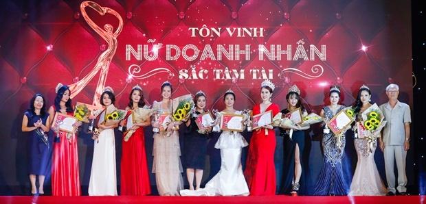 My pham Kosxu tai tro vang cho le ton vinh Nu doanh nhan Sac Tam Tai hinh anh 1