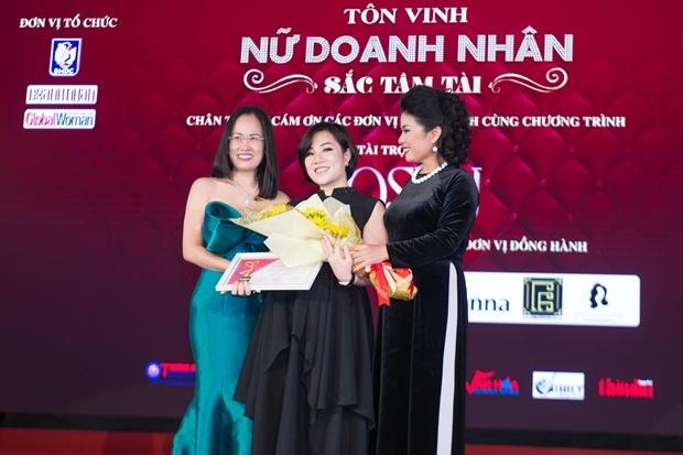 My pham Kosxu tai tro vang cho le ton vinh Nu doanh nhan Sac Tam Tai hinh anh 3