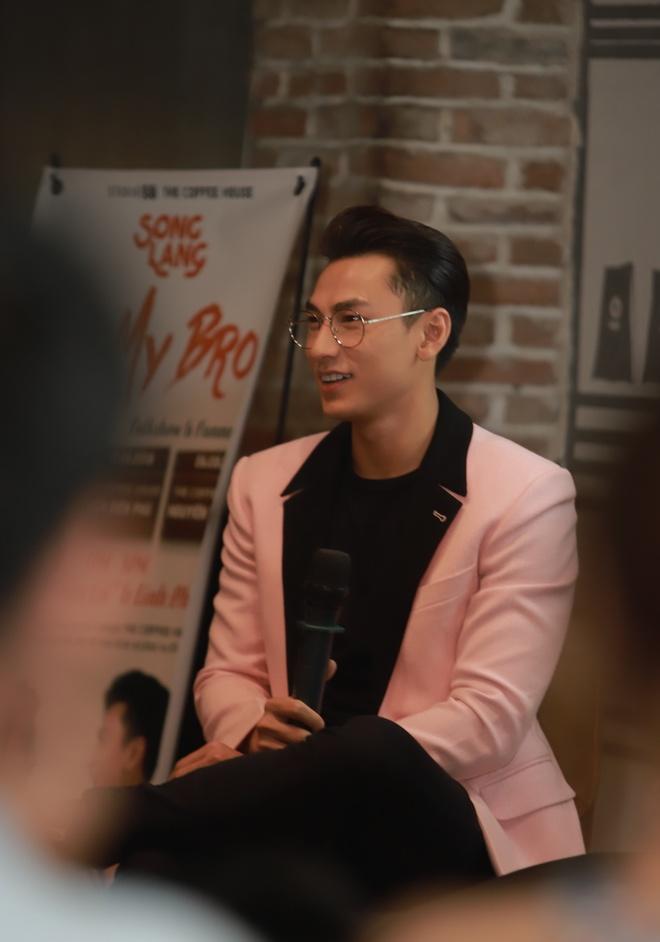 Isaac va Lien Binh Phat bat mi hau truong 'Song Lang' hinh anh 3