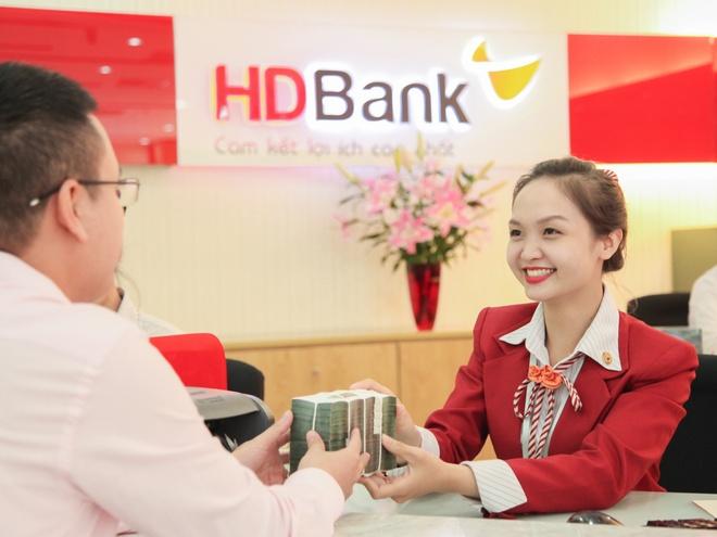HDBank trien khai chuong trinh 'Gio vang - nap tien tang tien' lan 2 hinh anh