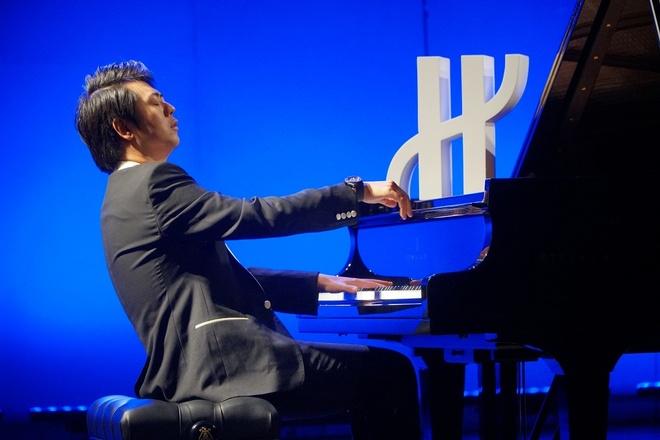 'Than dong piano' Lang Lang thang hoa tren san khau 'Hublot loves art' hinh anh