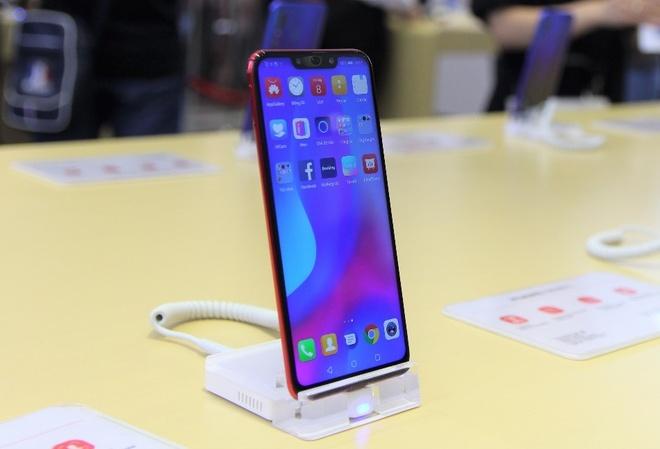 Huawei khai truong cua hang trai nghiem dau tien tai Viet Nam hinh anh