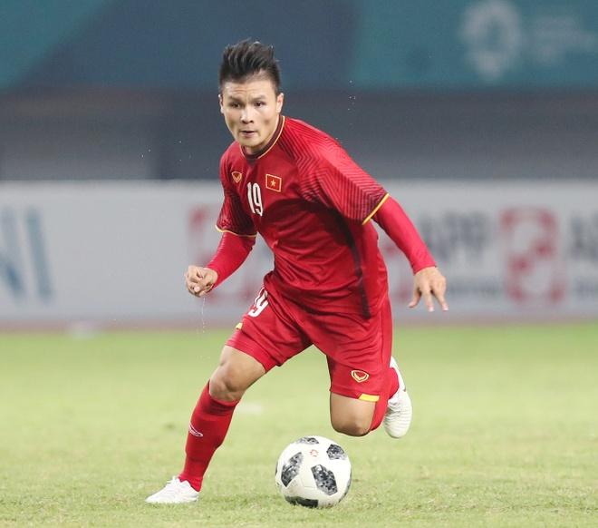Tien ve Quang Hai cung nguoi ham mo don Cup Ngoai hang Anh hinh anh 1
