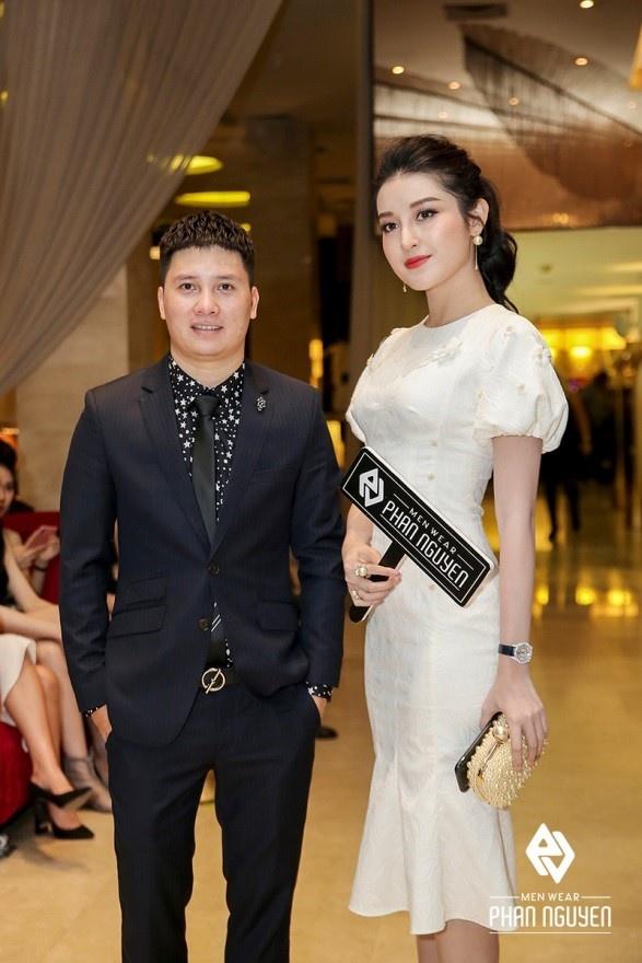 Dan sao Viet hoi ngo trong Phan Nguyen Fashion Show hinh anh 2