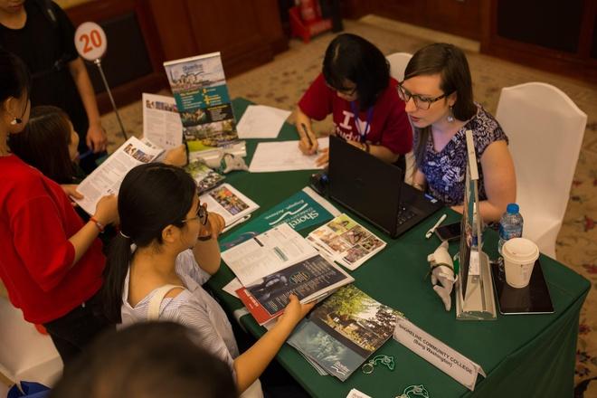 Nhiều suất học bổng hấp dẫn tại triển lãm du học StudyUSA