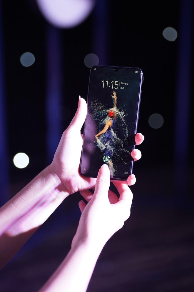 Vivo dua cong nghe AI vao smartphone V11, V11i hinh anh 3